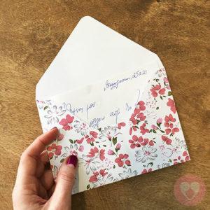 Φάκελοι αλληλογραφίας με φλοράλ μοτίβο